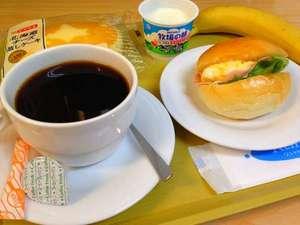 白河ビジネスホテル:人気の朝食!高原の朝をおいしい料理と共にお楽しみください。
