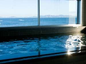 あさひの宿 あつ美やマリンパークホテル:晴れた日は朝日が一望できます。対岸に見えるのは渥美半島。