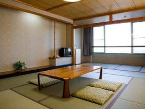 あさひの宿 あつ美やマリンパークホテル:お部屋(例)お部屋は全室オーシャンビュー。洗面台・ウォシュレットも完備