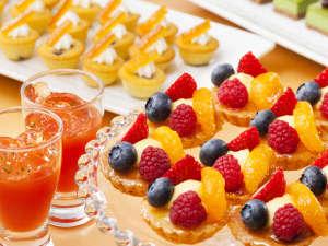 センチュリーロイヤルホテル札幌:見た目も美味しいデザートコーナーのラインナップが更に充実!朝からスイーツ三昧♪