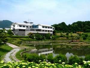 温泉リゾート風の国(ホテル&コテージ):水と緑に囲まれた自然いっぱいの温泉リゾート