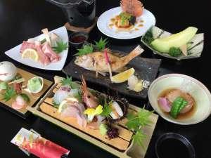 温泉リゾート風の国(ホテル&コテージ):旬の食材を使った会席料理
