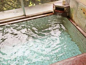 信州鹿教湯温泉 かつら旅館:*湯治にも良いといわれる鹿教湯温泉を贅沢にかけ流しでお楽しみください。