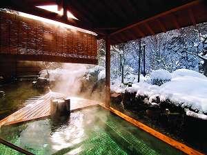 磐梯熱海温泉 金蘭荘花山   ~kinranso花山~:ピンッと張詰めた空気の中、絶景の雪景色を堪能できる雪見の露天風呂(冬の露天)