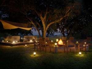【焚き火カフェ】満天の星空の下、贅沢な夜のひとときをお過ごしいただけます ※通年