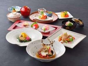 【夕食】 海コース ※4~9月のお料理イメージとなります