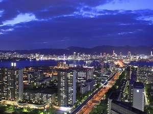 神戸ポートピアホテル:夜景イメージ(神戸市街地側)