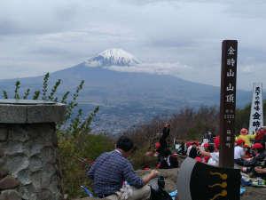 仙石原温泉 福島館:*【金時山山頂より】天気が良ければ、遠く富士山を望むことが出来ます!