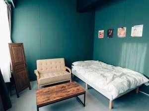 Tune Hakodate Hostel&Music Bal:カップルや親子だけではなく、お一人でのんびりと宿泊されたい方にオススメのお部屋です。