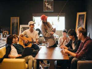 Tune Hakodate Hostel&Music Bal:一期一会の旅。ゲストハウスでいつもとは違った旅にしませんか?
