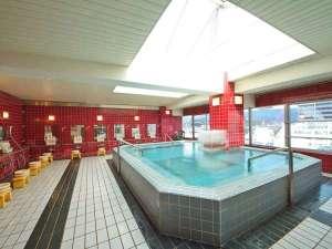※サンルーフのある大浴場。