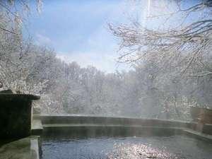 ペンション 散歩道:冬の醍醐味は雪見露天風呂♪サイコーです☆彡