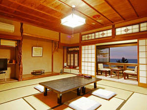 木の温もり溢れる和風旅館 松阪屋 吸霞園:心地の良い和室で、おくつろぎ下さい。