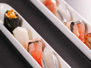 一口姫寿司。可愛い手毬寿司が六色♪