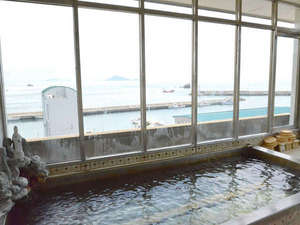 味覚の宿 定洋(ていよう):海が広がる展望風呂。大きな窓で開放感は抜群です!海を眺めながら湯ったり~