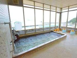 味覚の宿 定洋(ていよう):海が広がる展望風呂(男湯)なんとシャワーも窓際に♪海を眺めながら身体を洗えます!
