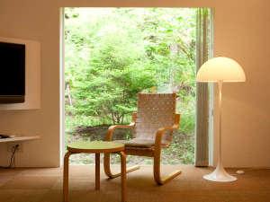 forest inn BORN:北欧の雰囲気と、新緑で癒される。ゆったりとした時間が流れています。