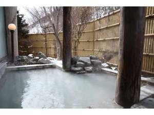 花鐘亭はなや:雪の中の露天風呂