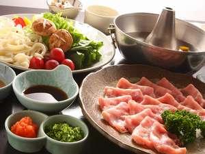 諏訪湖が望める展望露天風呂の宿 油屋旅館:油屋旅館で一番多くのお客様が選択される献立。信州の食材をふんだんに使用した料理
