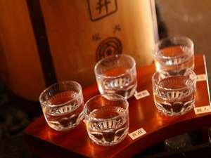 諏訪湖が望める展望露天風呂の宿 油屋旅館:諏訪五蔵の利き酒セット