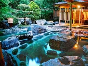 雨情の宿 新つた:混浴の庭園露天風呂'竹林'(女性専用時間もございます)