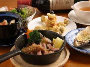 きらの宿すばる:すばるのディナーは、地場の食材にこだわったコース料理です♪