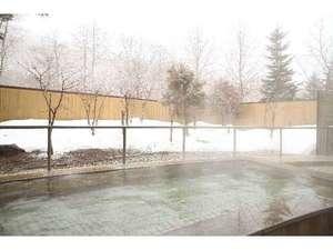 グリーンピア大沼:源泉100%かけ流しの露天風呂です。お肌つるつる美肌湯温泉!