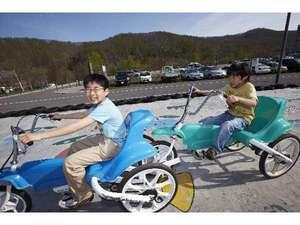 グリーンピア大沼:かるがもサイクルは複数繋げて走行可能!!仲間や家族とみんなで乗ろう!!!