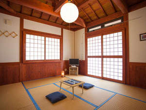 やど家たけのこ:*和室8畳/統一感あるインテリアの和室8畳には最大3名様までお泊りできます。