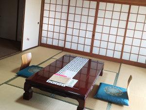 旬の味覚とかけ流しの湯を堪能 寿旅館:玄海の間