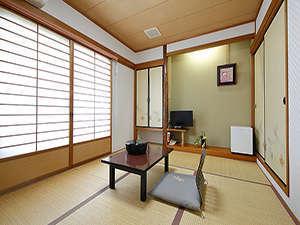 博多の宿 旅館まいだし:和室_足をのばしてお寛ぎください_