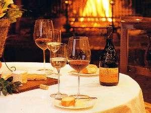 ホテルシャローム オークラクラシック:くつろぎにワインを添えて