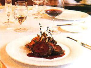ホテルシャローム オークラクラシック:*【夕食(一例)】多くのグルメに愛される、幻のヒレステーキ