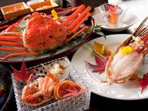 """レイクサイド北潟湖畔荘:【蟹フルコース】ずわい蟹の中でも高級な""""ブランド蟹""""を贅沢にフルコースでお楽しみください。"""