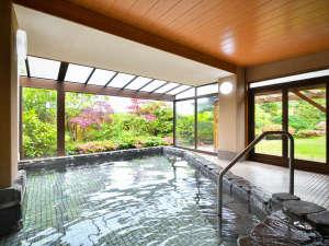 あわら北潟温泉 湖畔荘 hanaゆらり:●庭を眺めながら浸かる半露天風呂