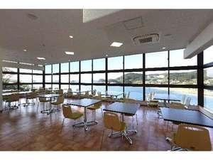国民宿舎 壱岐島荘:2階オーシャンビューのレストラン