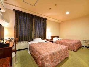 八幡浜センチュリーホテルイトー:*ツイン(客室一例)/カップルやご夫婦でのご宿泊に人気!落ち着きのある客室で癒しのひと時を。