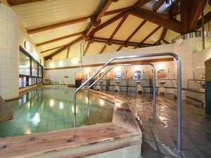 いやしの温泉郷:やわらかな湯がたっぷりの大浴場♪ジャグジー付き寝湯も完備