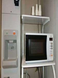 2Fに製氷機・電子レンジを完備しています!ご自由にお使いいただけます。