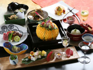 下呂温泉 和みの畳風呂物語の宿 小川屋:~碌間【rokkan】~お料理は一例です。四季により厳選された食材を使用。調理法もことなります。