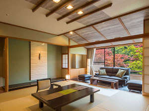 守り伝えし湯のこころ 伊香保温泉 福一:2017年4月にリニューアルした和モダン新客室。絵画のような四季折々の景色を眺める景色を独り占め。