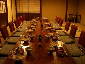 酒井屋旅館:個室でお食事をゆっくりと楽しめます