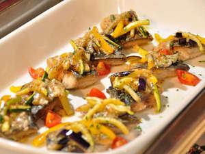 ホテルマウントレースイ:*ディナーバイキングでは和洋中お料理をお好きなだけお召し上がりください♪