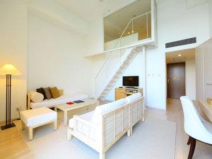 ホテルマリノアリゾート福岡:メゾネット形式のロフトツイン 天井が高く解放感を感じられます!