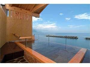 磯料理・海辺の湯の宿平鶴(ひらつる):空に浮かぶ貸切露天風呂 潮彩 相模湾を独占できます