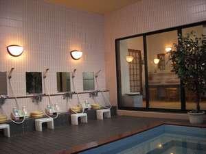 富士ビジネス旅館 美波:大浴場(富士山、恵みの湯)で一日の疲れをゆったりとおとりください。