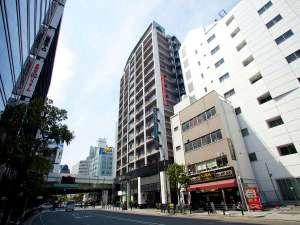 アパホテル<御堂筋本町駅前>:外観(昼)