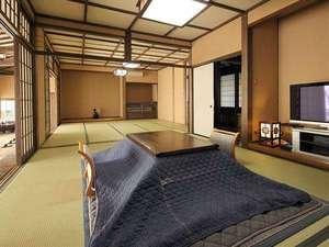 【客室】離れは、10畳+12.5畳の2間続きで、大人数でのご利用にお勧めです