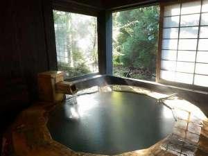 【貸切風呂】趣異なる4つの貸切風呂は、宿泊者は無料で何度でもお入りいただけます