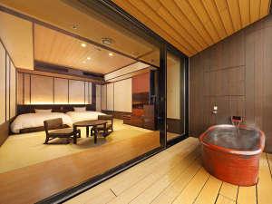 箱根小涌園 天悠:客室露天風呂は、景色をお楽しみいただくためにあえて開放的な造りとなっております